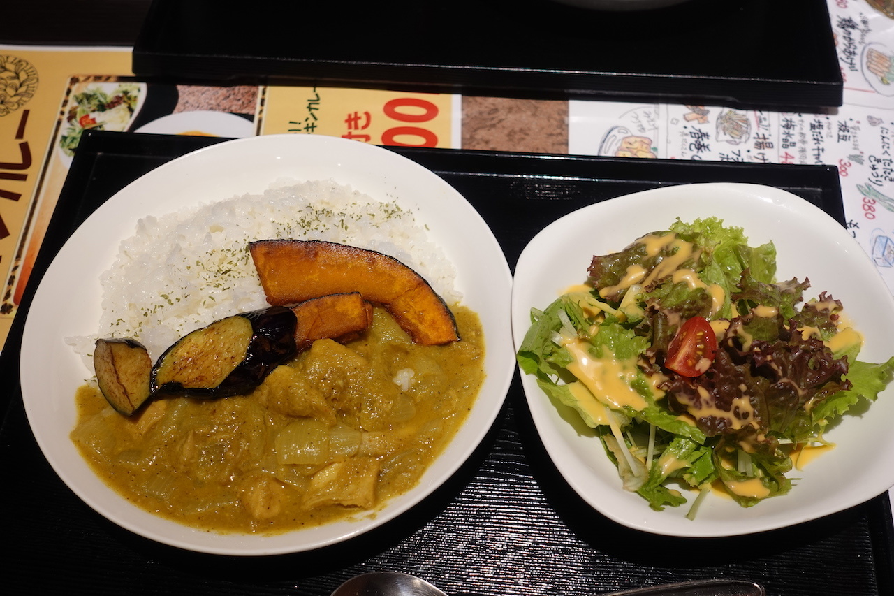肉十八番食堂@大井町店 意外と(失礼)カレーが美味しい(笑)_b0024832_22574379.jpg
