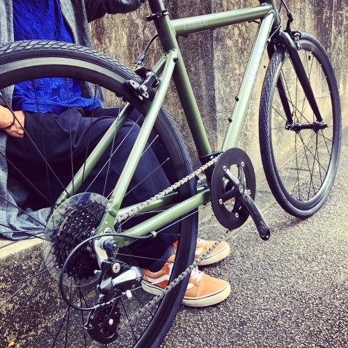 2020 tern ターン 「 CLUTCH クラッチ 」 クロスバイク 650c おしゃれ自転車 自転車女子 自転車ガール クラッチ ターン rojibikes クレスト_b0212032_18043730.jpeg