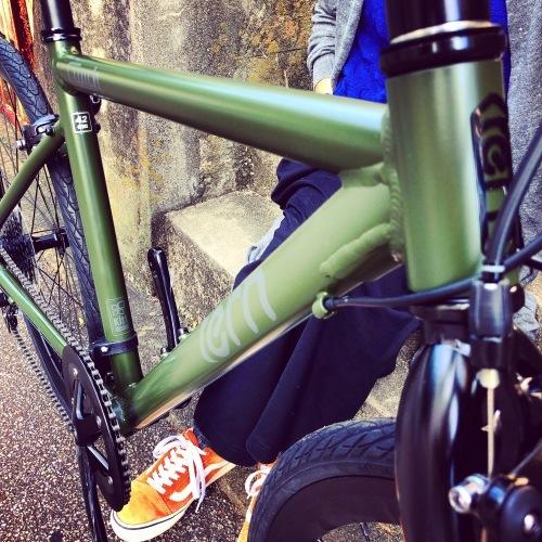 2020 tern ターン 「 CLUTCH クラッチ 」 クロスバイク 650c おしゃれ自転車 自転車女子 自転車ガール クラッチ ターン rojibikes クレスト_b0212032_18054241.jpeg