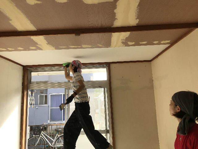 6日目・天井と看板と壁と仕入れ_f0031037_20242806.jpg