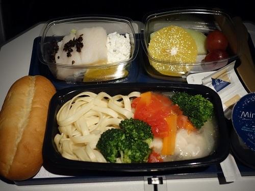 南米アマゾンの旅に出発、機内食はDBMLでいってみた_c0030645_01433969.jpg