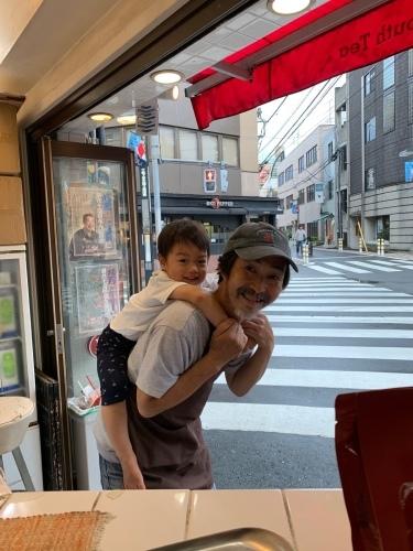 「たいちゃんおんぶ」_a0075684_10293550.jpg