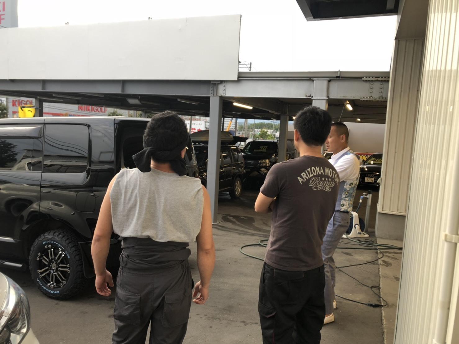 9月5日(木)本店ブログ♪レクサスLX570 4WD  入庫しました♪ ランクル ハマー レクサス♪_b0127002_19151736.jpg