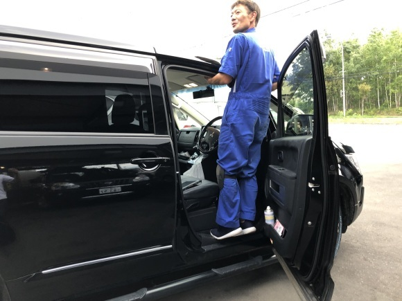 9月5日(木)本店ブログ♪レクサスLX570 4WD  入庫しました♪ ランクル ハマー レクサス♪_b0127002_20004391.jpg