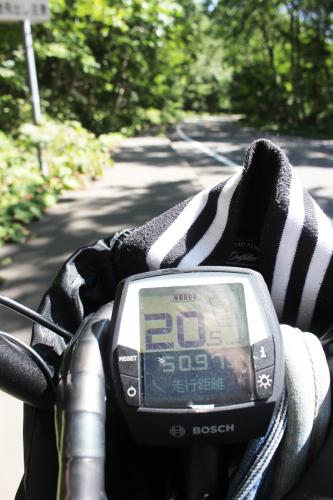 向かうは千歳のサイクリングロード。_a0139912_15442603.jpg