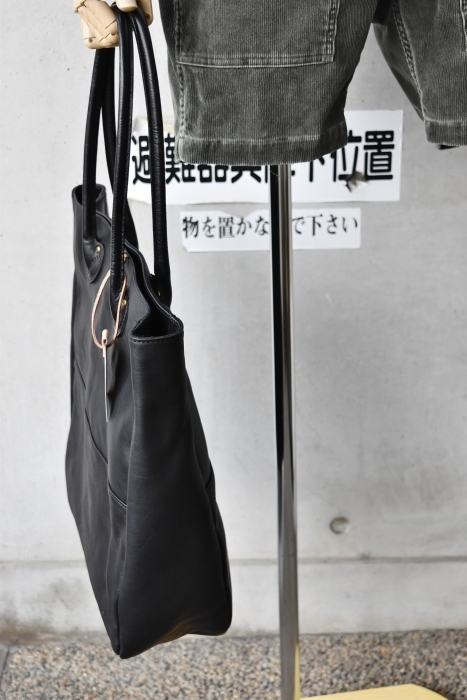 SLOW   LEATHER TOTE   NEW_d0152280_07465967.jpg