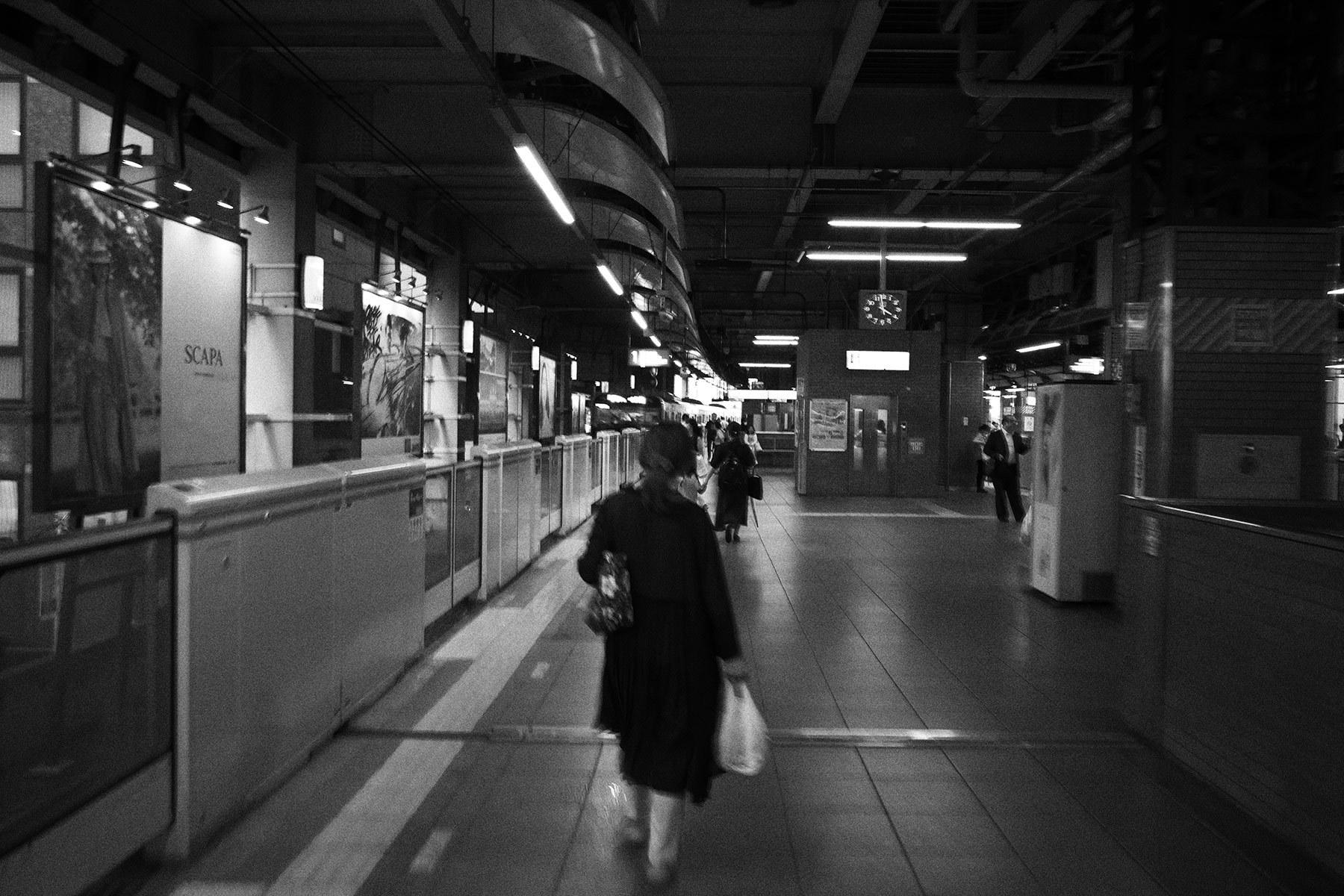 駅_f0121181_02592510.jpg