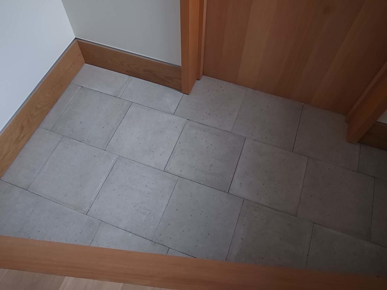 コンクリート平板_f0370091_22095627.jpg