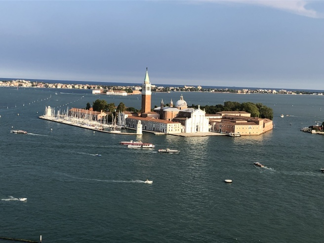 夏の終わりに--イタリアの旅 振り返り①_c0051092_08471615.jpg