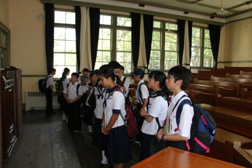 福島市立清水中学校1年生、17名様が重文本館を見学_c0075701_14265321.jpg