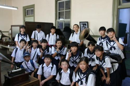 福島市立清水中学校1年生、17名様が重文本館を見学_c0075701_14272447.jpg
