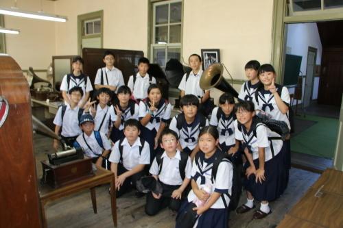 福島市立清水中学校1年生、17名様が重文本館を見学_c0075701_14274210.jpg