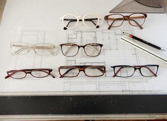 白いふちの眼鏡を買いました。_c0195909_16154478.jpg