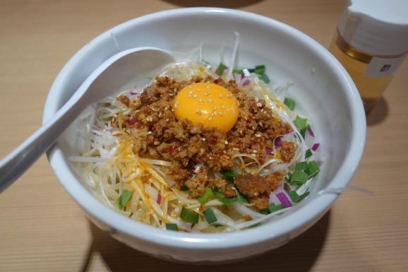 ハマってる汁なし担々麺_e0230011_17193853.jpg