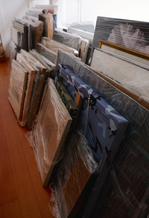 家中、絵だらけ/ Too Many Paintings_e0310424_10150858.jpg