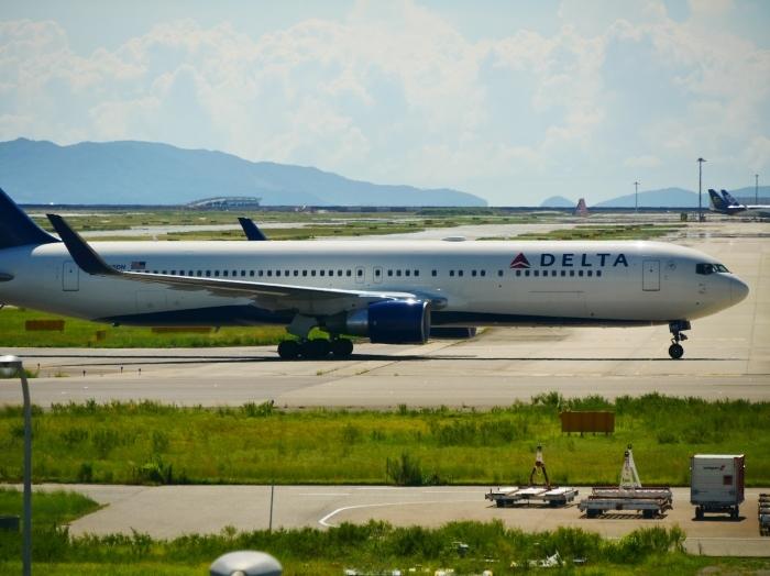 関西国際空港へ  2019-09-08 00:00  _b0093754_21381976.jpg