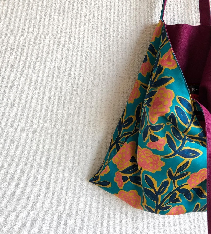 Silk satin flat bag_b0117564_23303275.jpg