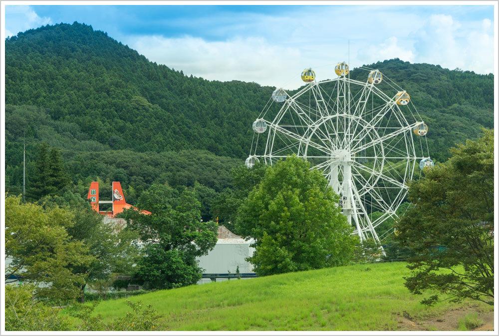秋吉台自然公園サファリランドの観覧車_c0115707_12282858.jpg