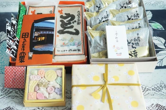 ■グルメ【娘夫婦からの徳島帰省お土産です。親戚2軒と分け合いました♪】_b0033423_00550490.jpg