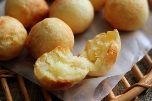レシピ「もちもちチーズのポンデケージョ」_a0165538_09133994.jpg