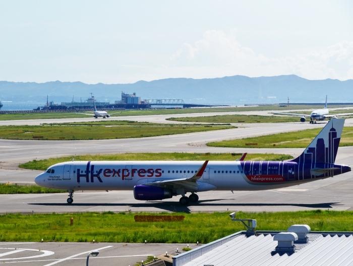 関西国際空港にて  2019-09-10 00:00  _b0093754_21110074.jpg