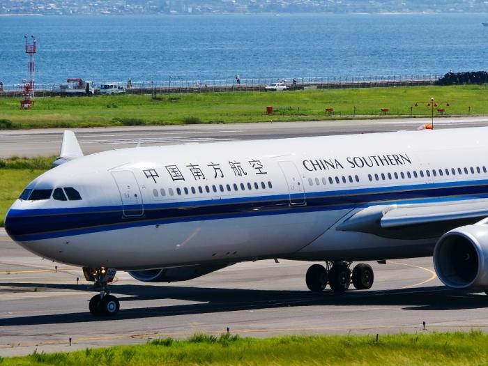 関西国際空港にて  2019-09-10 00:00  _b0093754_21111143.jpg