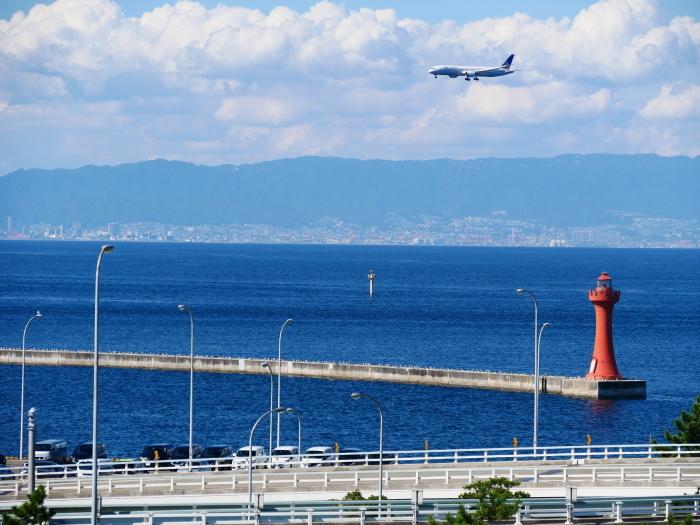 関西国際空港にて  2019-09-10 00:00  _b0093754_21121068.jpg