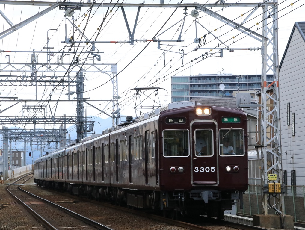 阪急3300系 3305F_d0202264_1214081.jpg