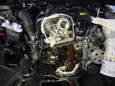AUDI A4 エンジンオイル漏れ 整備_c0267693_18253221.jpg