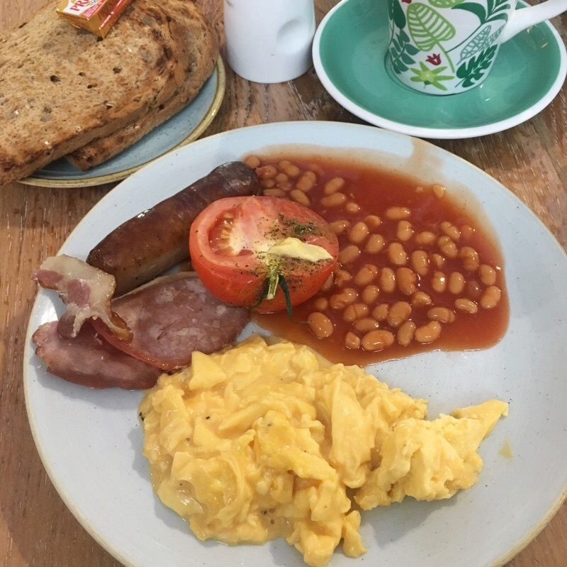 最後の朝食は (イギリス買付旅2019)_e0338157_00453480.jpeg