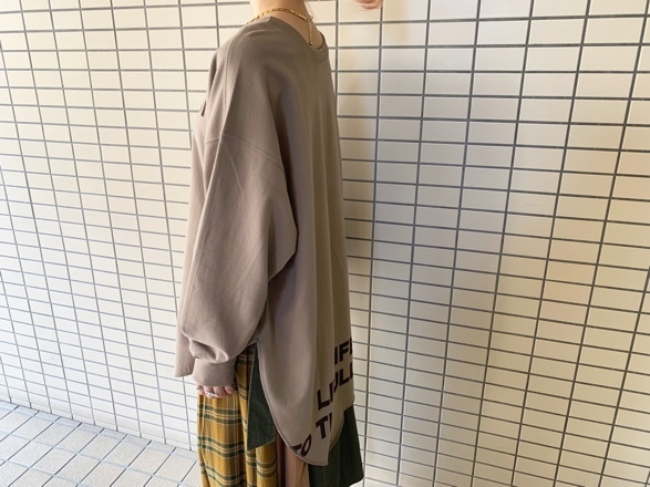 CHIGNONSTAR☆フロントバックロゴL/S T-SH☆_e0269968_18295734.jpg