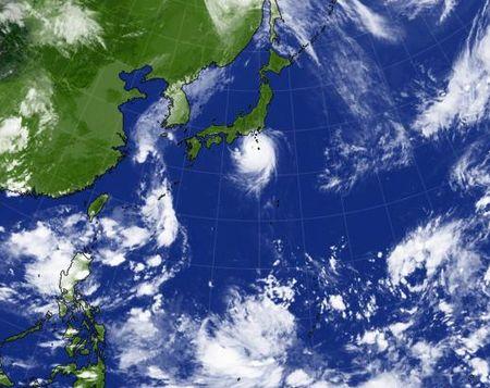 台風シーズン_c0139375_1710527.jpg