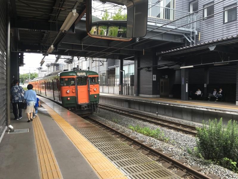 しなの鉄道115系湘南色とろくもんと。_d0367998_07213946.jpeg