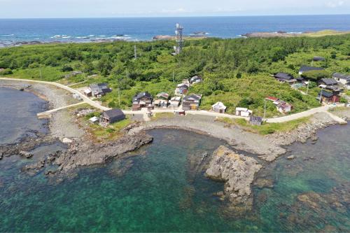 海界の村を歩く 日本海 舳倉島_d0147406_13114425.jpg