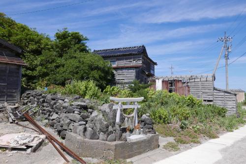 海界の村を歩く 日本海 舳倉島_d0147406_13160187.jpg