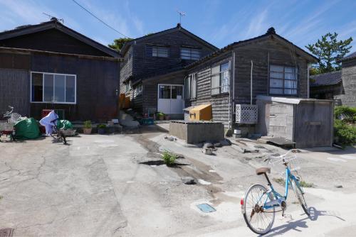 海界の村を歩く 日本海 舳倉島_d0147406_13344295.jpg