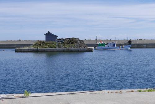 海界の村を歩く 日本海 舳倉島_d0147406_13361517.jpg