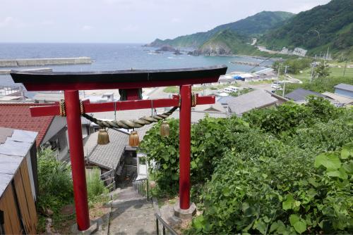 海界の村を歩く 日本海 粟島_d0147406_23131487.jpg