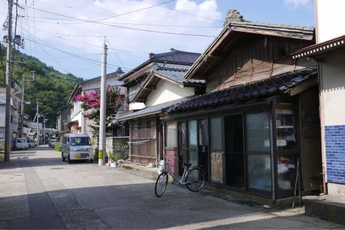 海界の村を歩く 日本海 粟島_d0147406_23181764.jpg