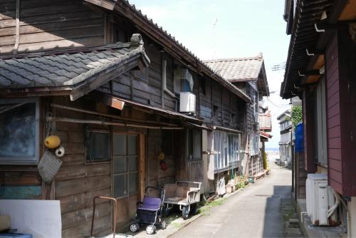 海界の村を歩く 日本海 粟島_d0147406_23182282.jpg
