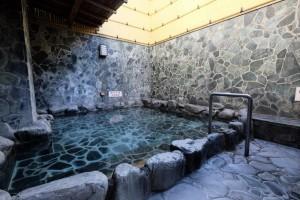 風呂好きに人気の老舗銭湯は、天然温泉の上に湯舟の数が半端ない下町のお風呂屋さんでした。_e0120614_16300768.jpg