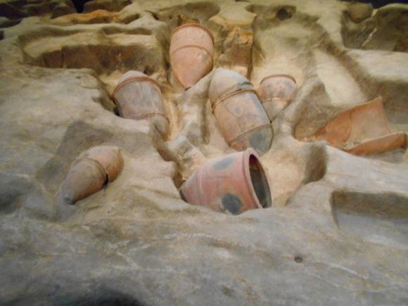 金隈弥生遺跡は 卑弥呼の時代まで六百年間継続し、136 体の人骨が出土_a0237545_23364355.jpg