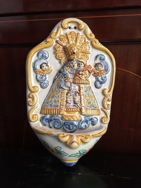 バレンシアの聖母子聖水盤_f0112550_07331700.jpg