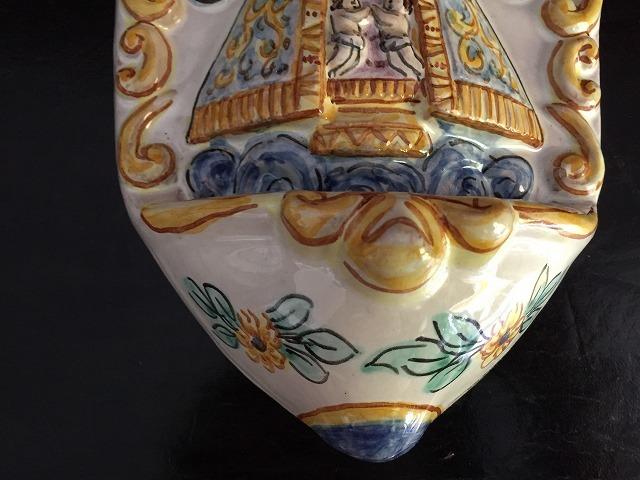 バレンシアの聖母子聖水盤_f0112550_07331894.jpg