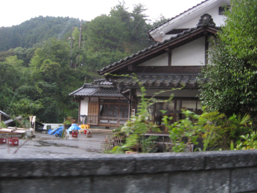 北九州の旅 小鹿田焼皿山の巻_b0153663_17383993.jpg