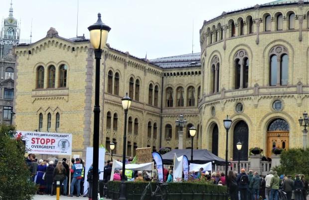 「民主主義はあなたの声を必要としている」(ノルウェー)_c0166264_04440747.jpg