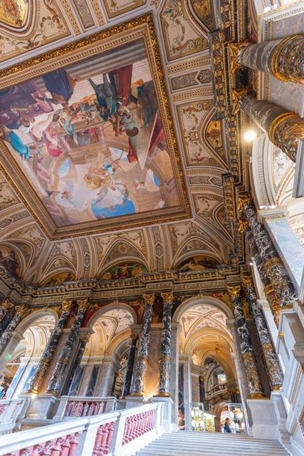 ウィーンの世界一美しいカフェ_b0145398_22581384.jpg