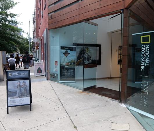 NYのSOHOにあるナショナル・ジオグラフィックのギャラリー National Geographic Fine Art Gallery_b0007805_10463098.jpg