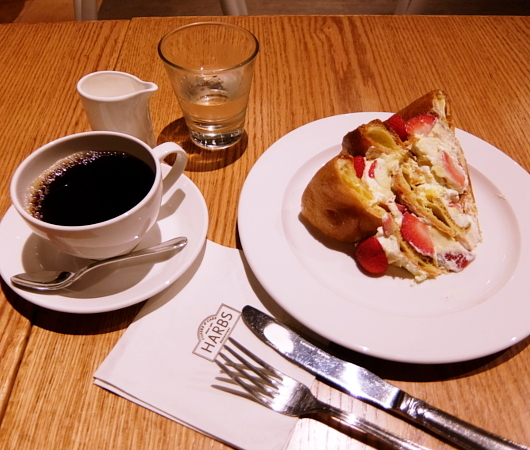 NYで心満たす日本のケーキを味わうなら、ハーブス(HARBS)_b0007805_20510229.jpg