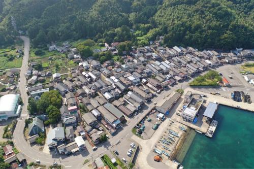 海界の村を歩く 日本海 粟島_d0147406_13563153.jpg